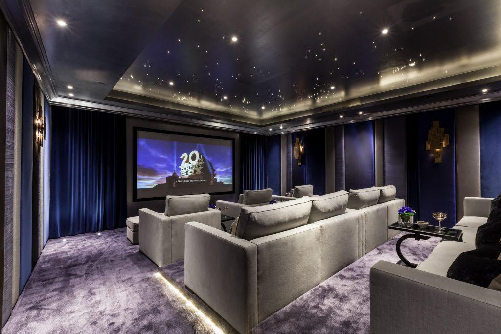 Cine,a Room